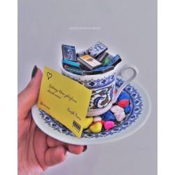 Kitaplı Kahve Fincanı
